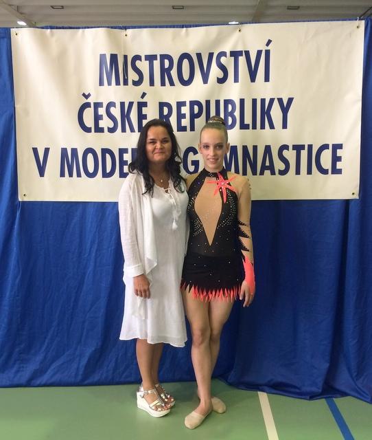 Trenérka Michaela Křenková a Michaela Dolíhalová